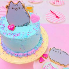 Did you know tomorrow is Pusheen's birthday? Check out this amazing cake by 🎂💕🐱 Pusheen Birthday, Cat Birthday, Birthday Cake, Birthday Ideas, Pretty Cakes, Cute Cakes, Pusheen Cakes, Dipper Cakes, Cat Party