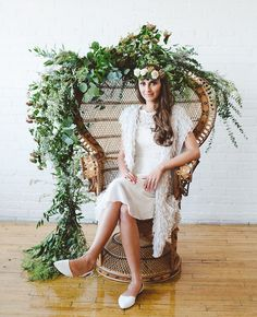 Vintage peacock chairs would be amazing for the Bride and Groom!!