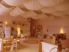 waldorf kindergarten room ~ I love the soft look of this room!  ≈≈ For more inspiring environments: http://pinterest.com/kinderooacademy/provocations-inspiring-classrooms/