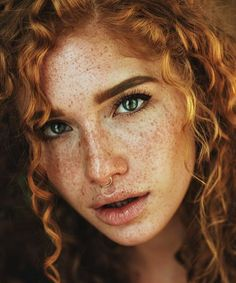 Beautiful young lady in a redhead the boot Beautiful Freckles, Beautiful Redhead, Beautiful Eyes, Foto Portrait, Portrait Photography, Freckle Photography, Editorial Photography, Pretty People, Beautiful People