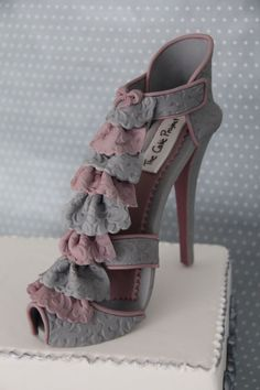 High heel shoe with some pinks and grey frills High Heel Cakes, Shoe Cakes, Car Cakes, Fondant Flower Cake, Cupcake Cakes, Fondant Bow, Fondant Tutorial, Fondant Cakes, Fashionista Cake