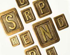 Vous souhaitez vous démarquer par des documents imprimés définitivement originaux et associés à votre marque. Nous saurons vous surprendre. Le Book Japell 2015 Frame, Home Decor, Printed Materials, Special Effects, Wish, Originals, Picture Frame, A Frame, Interior Design