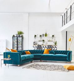 Top 5 tips to buying a corner sofa – by Interior Stylist at WeLoveHome – Sofa Design 2020 Velvet Corner Sofa, Modular Corner Sofa, Corner Sofa Modern, Corner Sofa Living Room, Living Room Decor, Sofa Design, Furniture Design, Furniture Ideas, Pallet Furniture