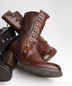 Boots Buttonline DarkCognac Officine Creative