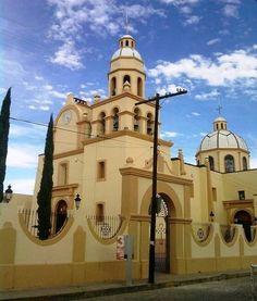 Iglesia del HERMOSO Cuautla Jalisco!!! Taj Mahal, Mansions, House Styles, Building, Travel, Viajes, Villas, Buildings, Trips