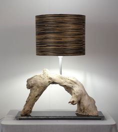Tischlampe aus Treibholz, Wohnzimmer Dekoration / table lamp made of driftwood, home decoration made by Meister Lampe via DaWanda.com