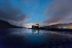 The Milky Way over Eilean Donan Castle in the Scottish Highlands Photography Workshops, Landscape Photography, Beautiful Places, Beautiful Pictures, Beautiful Scenery, Scotland Landscape, Eilean Donan, Scottish Castles, Sky Sea