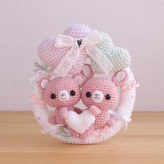 These are the amigurumi I'm making. Crochet Teddy, Crochet Bear, Crochet Patterns Amigurumi, Crochet Gifts, Crochet Animals, Crochet Dolls, Kawaii Crochet, Cute Crochet, Crochet For Kids