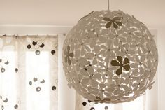 Ikea Regolit Lampe gepimpt mit Moosgummi Blumen