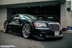 Slammed Chrysler 300C - Rides Magazine