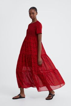 Floral-Print Midi Dress, Zara The 14 summer dresses that everyone will be talking about this year Asos Summer Dresses, Best Summer Dresses, Short Sleeve Dresses, Dresses With Sleeves, Maxi Dresses, Short Sleeves, Boat Neck Dress, Maxi Robes, Floral Print Maxi Dress