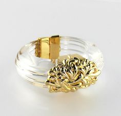 Vintage ICONIC INNA CYTRINE Ribbed Clear Lucite Bangle with Golden Clasp #InnaCytrine #BanglewithMagneticClasp