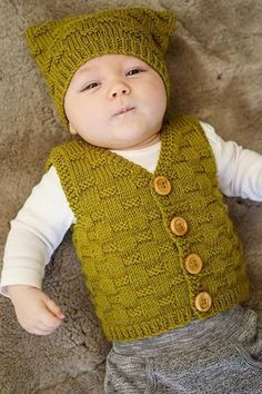 Theodore Vest and Hat - Baby Cakes by lisaFdesign - textured vest pattern . Theodore Vest and Hat - Baby Cakes by lisaFdesign - textured vest pattern with a matching square hat. Knitted in one piece from the bottom up, t. Knitting Patterns Boys, Baby Patterns, Free Knitting, Double Knitting, Knitting Needles, Pull Bebe, Knit Vest Pattern, Baby Sweaters, Baby Hats
