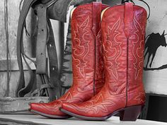 Enter to win a pair of Corral Desert Red Cowgirl Boots, style #R1952 (Langston's item #599-WES-R1952).   Love me some Boots, esp these red ones..  Sure would look great with my new truck