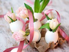 Inspiratie voor decoratie voor Pasen -  De paasdagen komen er weer aan. Wil je het huis tijdens deze dagen ook een feestelijk tintje geven, dan vind je hier inspiratie voor decoratie voor Pasen.  Pasen brengt altijd een hoop gezelligheid met zich mee. …