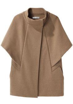 Tsumori Chisato Double Knit Cape Jacket would look good in silk or linen Look Fashion, Korean Fashion, Winter Fashion, Womens Fashion, Fashion Design, Cape Jacket, Cape Coat, Wool Cape, Mode Kimono