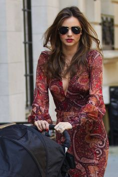 Ooh Miranda Kerr is always so chic. Love this look! #fashion