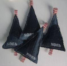 INSPIRATION - Old Denim Christmas Trees (Source :  http://fatmasplace.wordpress.com/2012/11/11/i-am/)