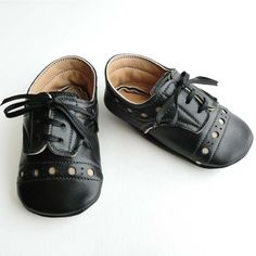 Cute leather baby shoes, handmade in Canada only $33.00 from ajalor.