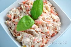 You will eliminate the cravings for something easy and healthy, but original and tasty at the same time with this fit tuna salad with sauerkraut, carrot and apple recipe. Sauerkraut, Healthy Tuna Salad, South Beach Diet, Cooking Recipes, Healthy Recipes, Mets, Apple Recipes, Cravings, Protein