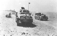 1939 1945 Des véhicules de la 21e Panzerdivision durant la guerre du désert en 1942.