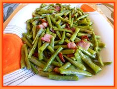 SPLENDID LOW-CARBING BY JENNIFER ELOFF: Green Beans and Bacon