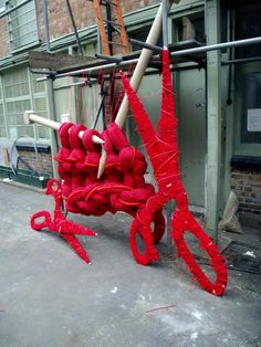 DIESEL Nationwide, October 2010 Massive knitting + scissors wrapped in wool, cables and wire for all Diesel store windows nationwide, for Craft Rebel window scheme.guerilla wool goes mainstream for advertising Giant Knitting, Knitting Yarn, Knitting Needles, Sculpture Textile, Textile Art, Yarn Bombing, Foto Picture, Graffiti, Art Fil