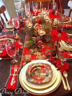 Christmas Tablescape in red! Love this festive table setting.love the clear crystal with the red and write color scheme! Christmas Table Settings, Christmas Tablescapes, Christmas Table Decorations, Decoration Table, Holiday Tablescape, Centerpiece Ideas, Christmas China, Noel Christmas, All Things Christmas