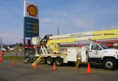 Convenience store sign repair by Gray Electric of Mauston and Tomah, WI