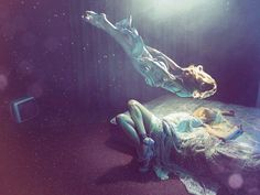 We tried to prepare a content that informs you about astral travel, the separation of the soul from the body. What is Astral Travel? How is Astral Travel done? What are Astral Traveling Techniques? High Fashion Photography, Fantasy Photography, Underwater Photography, Underwater Photoshoot, Underwater Art, Breathing Underwater, Underwater Model, Ethereal Photography, Whimsical Photography