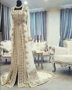 Moroccan Caftan Kaftan Evening Dresses Dubai Abaya Arabic Long Sleeves Amazing Gold Embroidery Square-Neck Occasion Prom Formal Gowns sold by Babybridal on Storenvy Moroccan Caftan, Morrocan Dress, Caftan Gallery, White Kaftan, Middle Eastern Fashion, Oriental Dress, Arabic Dress, Moroccan Wedding, Moroccan Bride