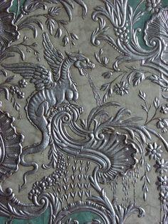 Dragon pattern wallpaper - gorgeous!