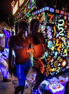 The Beginner's Guide to The Full Moon Party in Thailand • The Blonde Abroad Full Moon Party Thailand, Fire Dancer, That One Friend, Dance The Night Away, Kinds Of Music, Beach Party, Thailand Travel, All Over The World, Koh Phangan