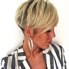 Short Hairstyles for Women over 40 # short hair styles over 40 for women 14 Best Short Hairstyles for Women over 40 Short Curly Haircuts, Curly Hair Cuts, Medium Hair Cuts, Short Hair Cuts, Short Hair Styles, Short Hairstyles For Women, Summer Hairstyles, Wedding Hairstyles, Cool Hairstyles