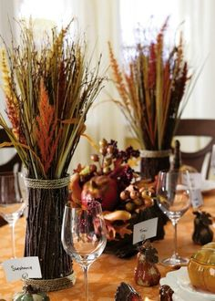 Thanksgiving holiday table decorating