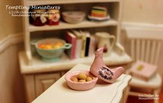 Chicken Egg Holder - 1:12th Dollhouse Miniatures