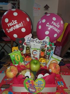 Balloon Gift, Diy And Crafts, Christmas Bulbs, Balloons, Sweets, Iphone, Holiday Decor, Birthday, Gifts