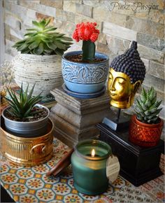 corner table for plants indoor garden zen place corner indoor plan Indoor Plants Low Light, Plants Indoor, Zen Place, Buddha Decor, Global Decor, Plant Wallpaper, Boho Living Room, Living Rooms, Bohemian Living