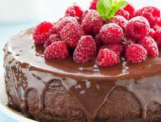 Diétázol, de imádod a csokoládés édességeket? Akkor ezt a kívül-belül csokis finomságot neked találták ki! Cukormentes, alacsony szénhidrát tartalmú, maga a mennyország! Raspberry, Strawberry, Tiramisu, Easy, Pudding, Ethnic Recipes, Chocolatier, Favors, Top Recipes