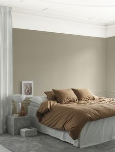 A beautiful bedroom styled by for 📷 👌🏻 Good night all ✨ . Beige Walls Bedroom, Blue Bedroom Decor, Bedroom Wall, Color Beige Pared, Beige Wall Colors, Awesome Bedrooms, Beautiful Bedrooms, Living Room Colors, Beverly Hills