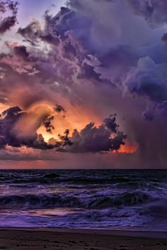 Purple Clouds ➖➖➖➖➖➖➖➖➖ ➖➖➖➖➖➖➖➖➖ Weather ➖➖➖➖➖➖➖➖➖ Ocean ➖➖➖➖➖➖➖➖➖ Water ➖➖➖➖➖➖➖➖➖ Florida Coastal Storm by Ken Cave Beautiful Sunset, Beautiful World, Beautiful Images, Simply Beautiful, All Nature, Amazing Nature, Sky Sunset, Purple Sunset, Plum Purple