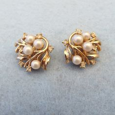 Resale Jewelry Stores Near Me amid Pearl Earrings Stud Warren James out Every Pearl Stud Earrings my Small Pearl Dangle Earrings + Effy Pearl Stud Earrings Gold Jhumka Earrings, Pearl Earrings Wedding, Jewelry Design Earrings, Gold Earrings Designs, Gold Jewellery Design, Pearl Stud Earrings, Necklace Designs, Jewellery Box, Crown Earrings