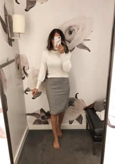 Simple Office Outfits for Ladies – Vincisjournal, - business professional outfits offices Office Outfits For Ladies, Office Attire Women, Casual Work Attire, Casual Office Wear, Formal Outfits, Office Chic, Business Professional Outfits, Business Casual Outfits, Business Attire