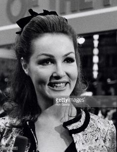 Photo d'actualité : Actress Julie Newmar attending the premiere of...