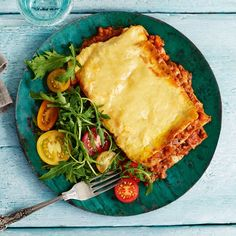 This Slimming World lasagne recipe is an absolute classic! Lovely layers of beef ragù, pasta and a veg-packed sauce make a deliciously satisfying Syn-free dinner FREE 1 hour 35 minutes Serves 4 Ingredients Low-calorie cooking spray Slimming World Lasagne, Slimming World Beef, Slimming World Dinners, Slimming World Recipes Syn Free, Chicken Pasta Recipes, Beef Recipes, Healthy Recipes, Healthy Food