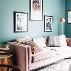 Formulas And Shortcuts For Pink Velvet Couch Living Rooms 92 - sitihome Pink Velvet Couch, Pink Couch, Rugs In Living Room, Living Room Designs, Living Room Decor, Sofa Colors, Wall Colours, Affordable Home Decor, Dining Room Chairs