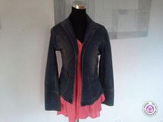 Clotheswap - fitted denim jacket excellent condition. Hourglass Body Shape, Body Shapes, Feminine, Leather Jacket, Denim, Fitness, How To Wear, Jackets, Clothes
