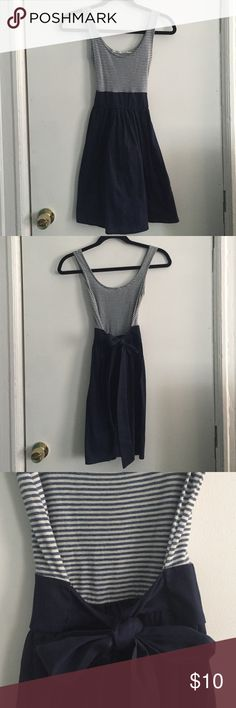 Kimchi blue Cotton/linen | hits above the knee | ties at the waist | worn less than 5x Urban Outfitters Dresses