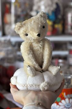 and other silly things Jennifer Murphy, Shabby Chic Accessories, Christmas Teddy Bear, Fabric Animals, Love Bear, Bear Doll, Sewing Toys, Sewing Notions, Soft Sculpture