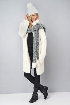 Gilet long à capuche avec fourrure.. Un petit avant goût d'hiver... #eroscollection